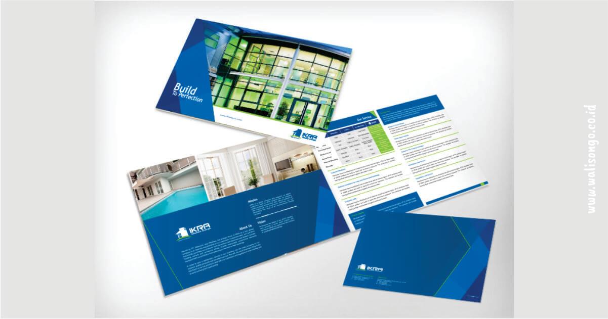 contoh brosur simple biru